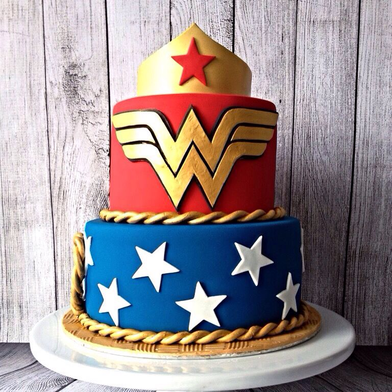 Wonder Woman Cake … … | Wonder woman birthday cake, Wonder ...