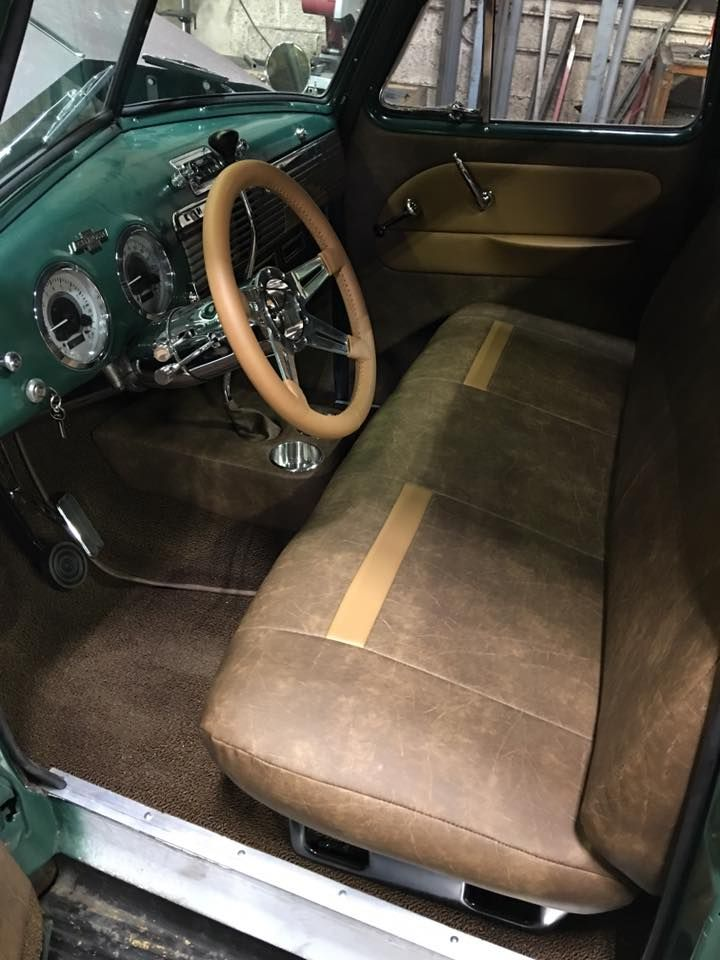 Simple And Clean Vintage Looking Brown Leather Interior Pic 1 Leather Truck Interior Antique Trucks