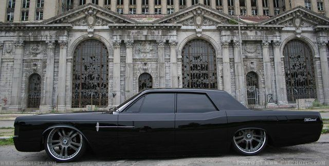 Lincoln Continental 1968 Murdered Out