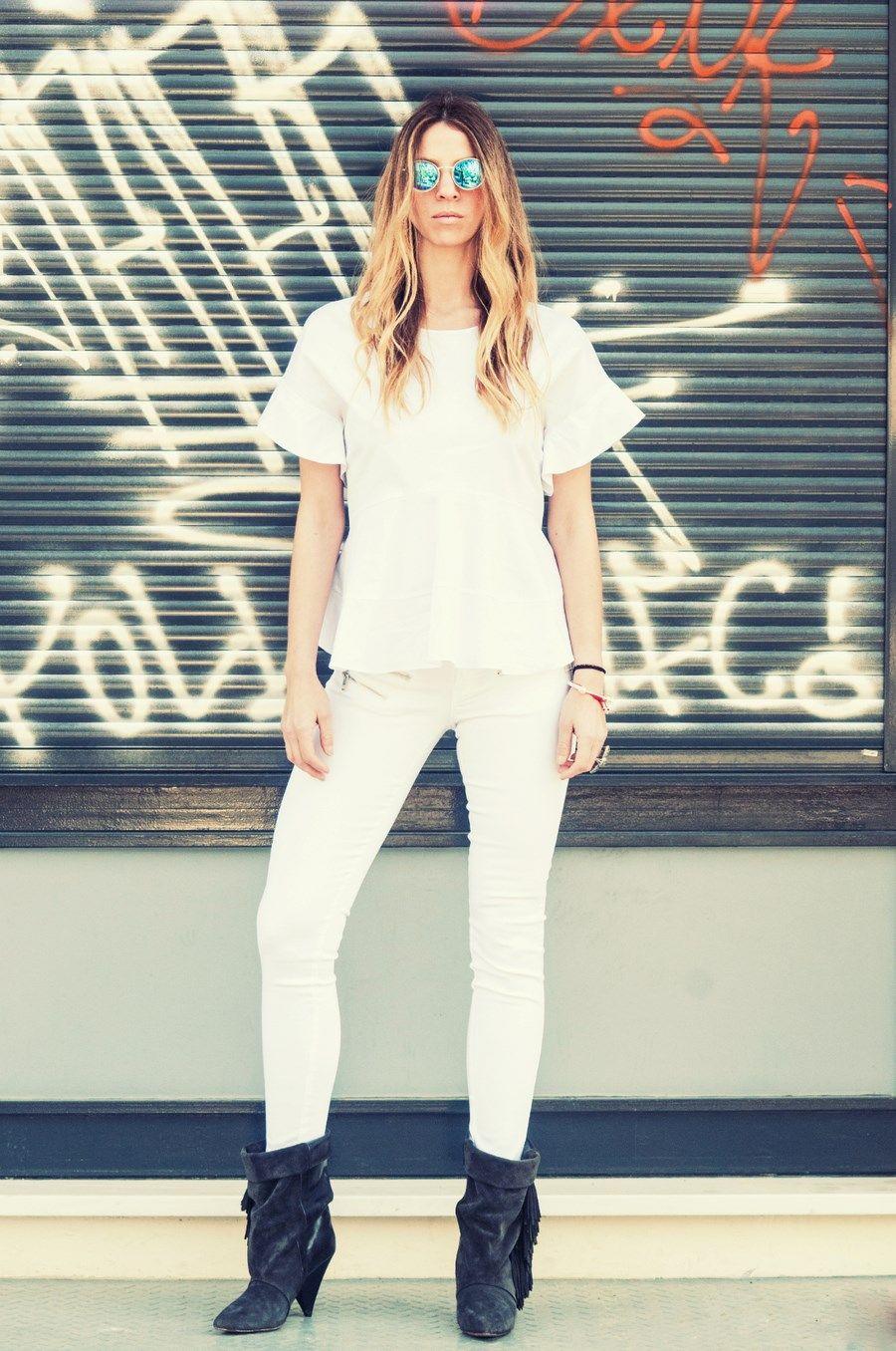#whiteonwhite #grey #boots #isabelmarant #fringes #streetstyle #muserebelle #fashionblogger #ms