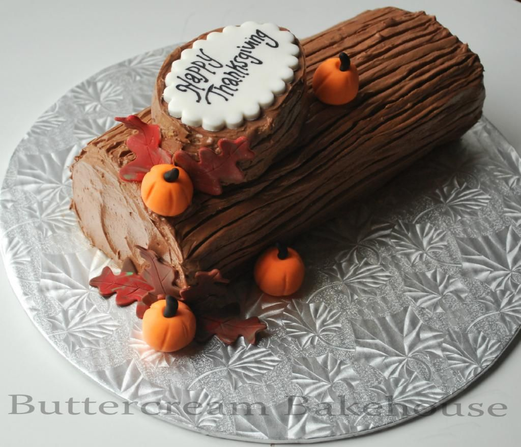 How to make a christmas yule log decoration - A Thanksgiving Themed Buche De Noel Translation Thanksgiving Christmas Log