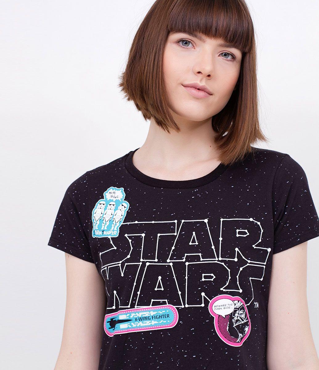 Camisola feminina  Manga curta  Estampada Star Wars  Marca:  Star Wars   Tecido: meia malha      Modelo veste tamanho: P   Composição: 100% algodão         COLEÇÃO INVERNO 2017         Veja outras opções de    camisolas femininas.