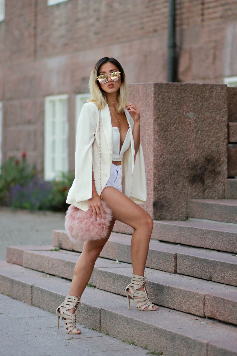 www.streetstylecity.blogspot.com Be inspired by the people in the street braless fashion ootd look outfit