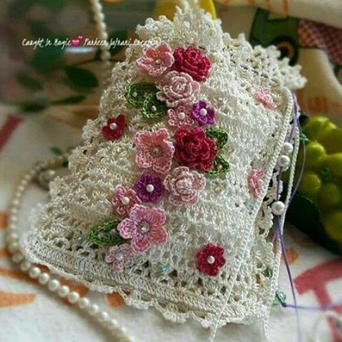 BEAUTIFUL!! This would be lovely for a wedding! | Crochet bags and ...