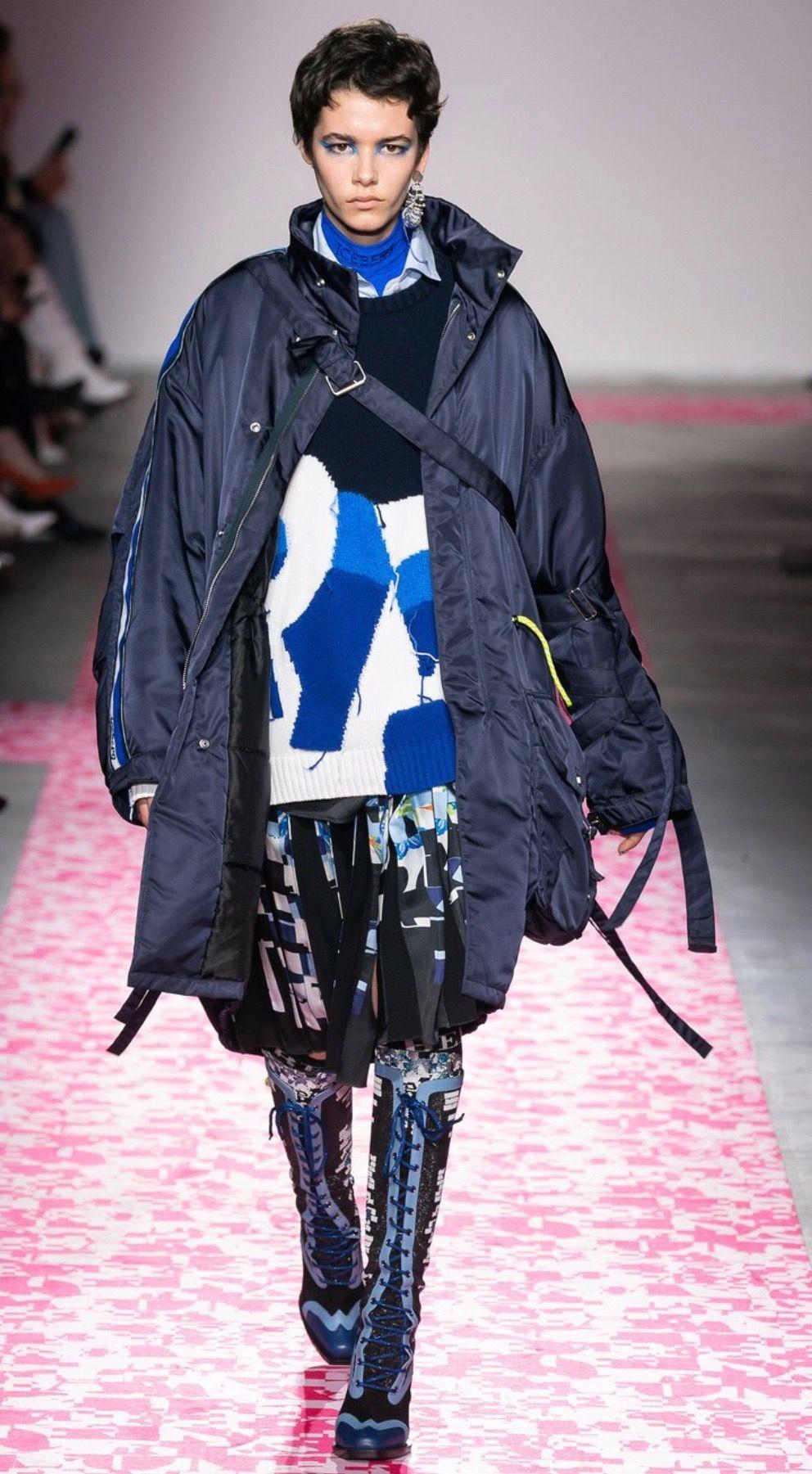 Iceberg Fall 2019 Rtw Chic Outerwear Fashion Rain Jacket [ 1801 x 992 Pixel ]