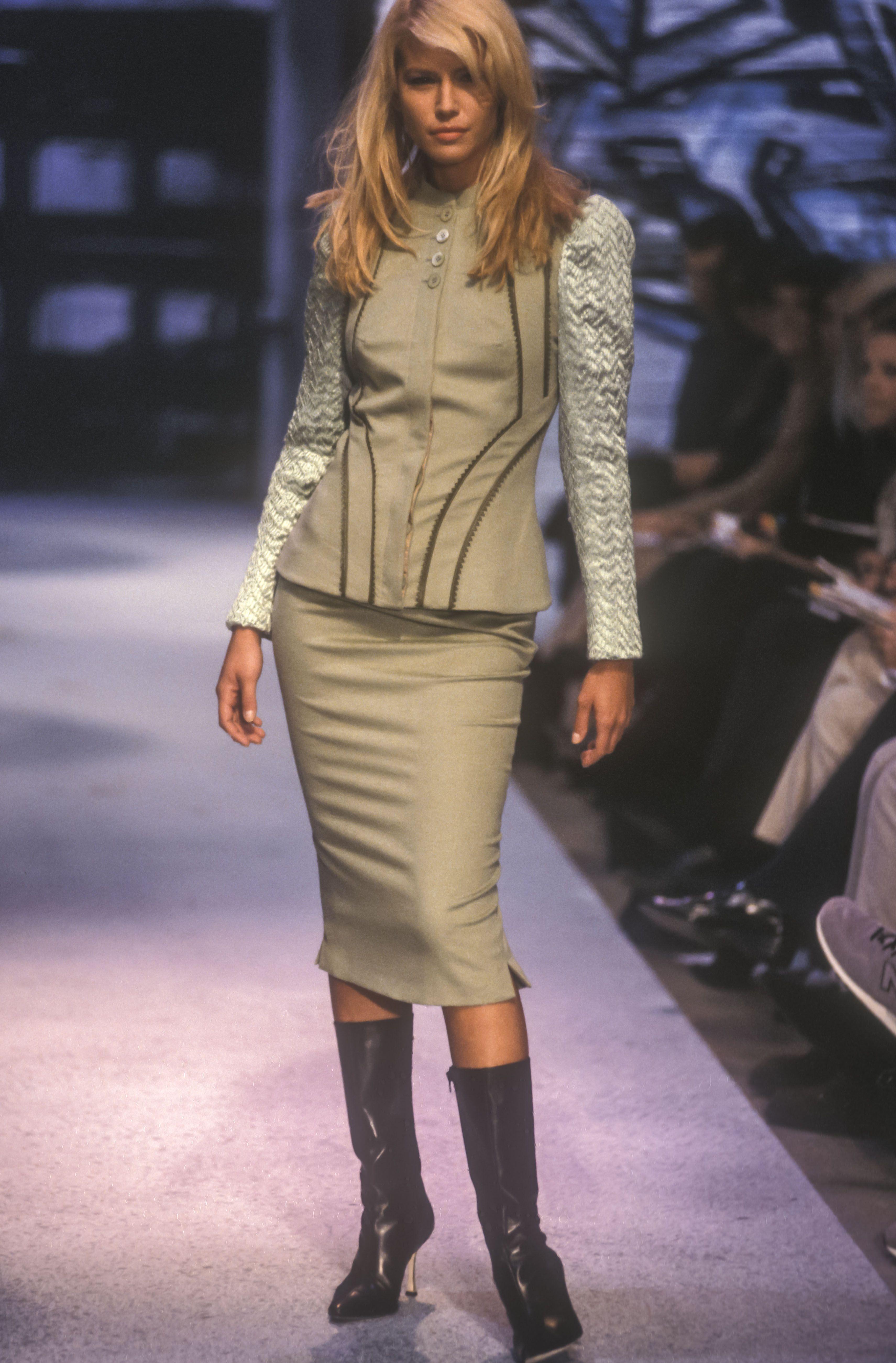 Valeria Mazza - Antonio Berardi Ready-To-Wear Fall/Winter 1998.