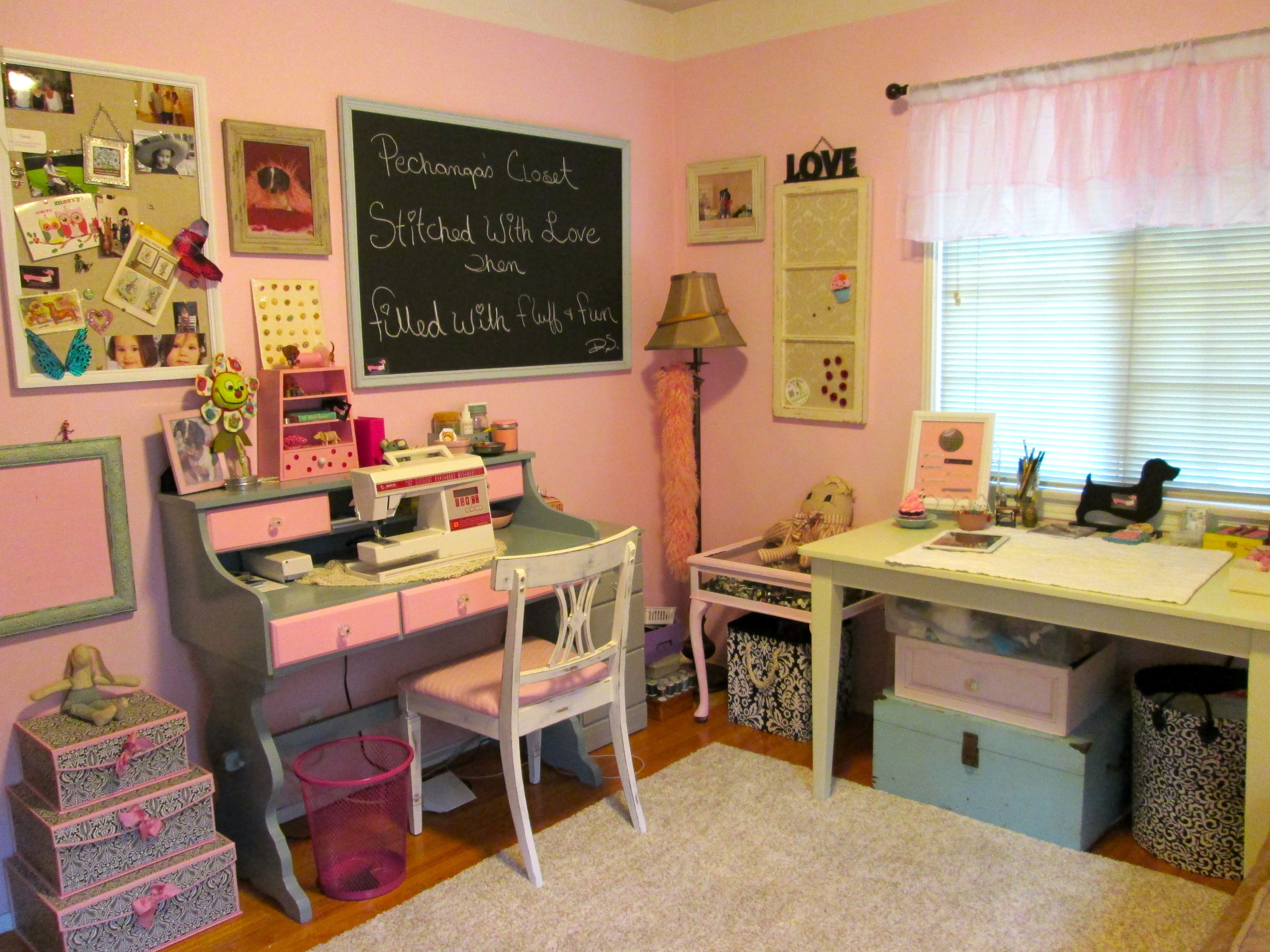 Diy sewing table ikea pink craft  my lovely sisterinlaws new sewing room  mi cuarto