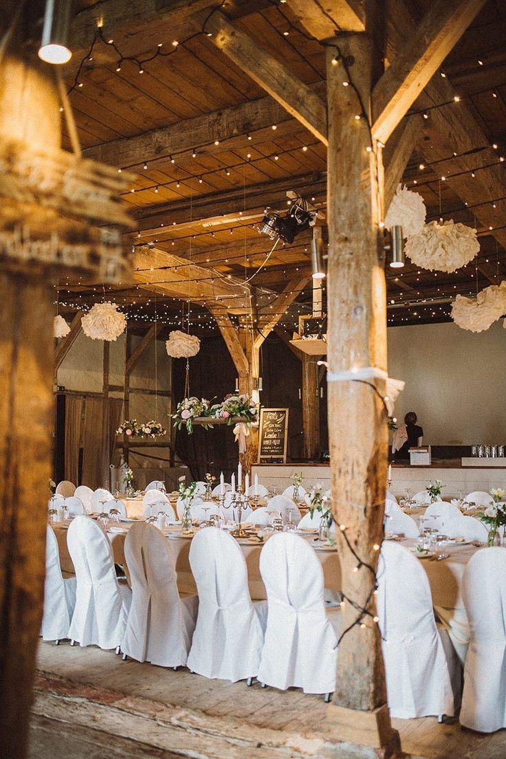 Wedding hall decoration images  Hochzeit in Scheune   Hochzeitsdeko  Pinterest  Wedding
