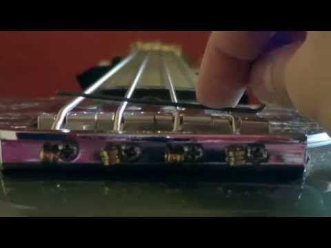 Cómo calibrar un bajo parte I - Cambio de cuerdas - YouTube