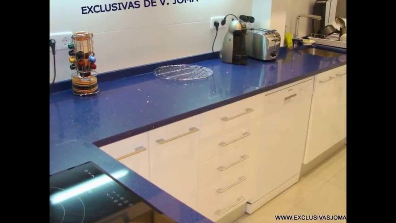 Blanco muebles de cocina con encimeras de color gris oscuro - Muebles De Cocina Blanco Alto Brillo Encimera De Silestone Azul Stelar