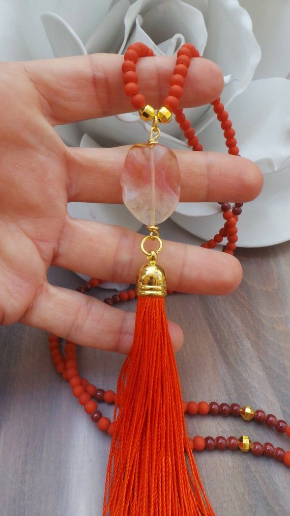 Collar de borla naranja. Collar largo de cuentas naranjas. Collar largo de borla con cuentas naranjas y turmalina de sandía. Collar Boho
