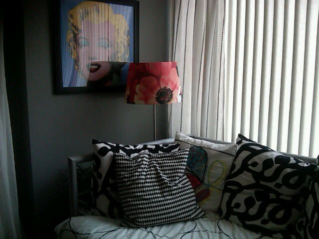 my marilyn monroe picture  and a lamp full of poppies