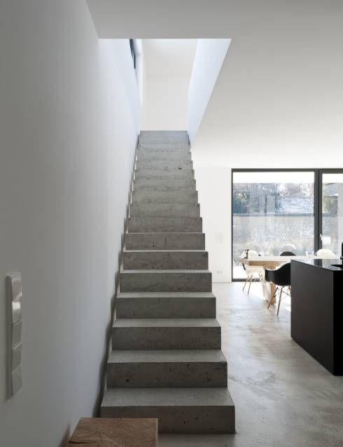 beton erobert einfamilienhaus   diele, treppenhaus und einfamilienhaus - Treppenhaus Einfamilienhaus