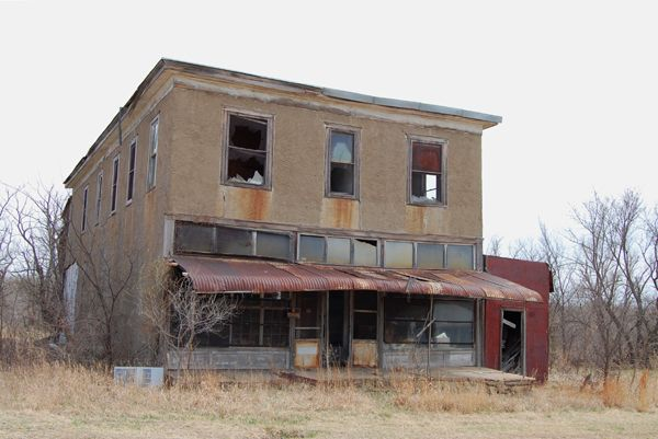What S New At Legends Of Kansas Real Haunted Houses Abandoned Places Abandoned Houses