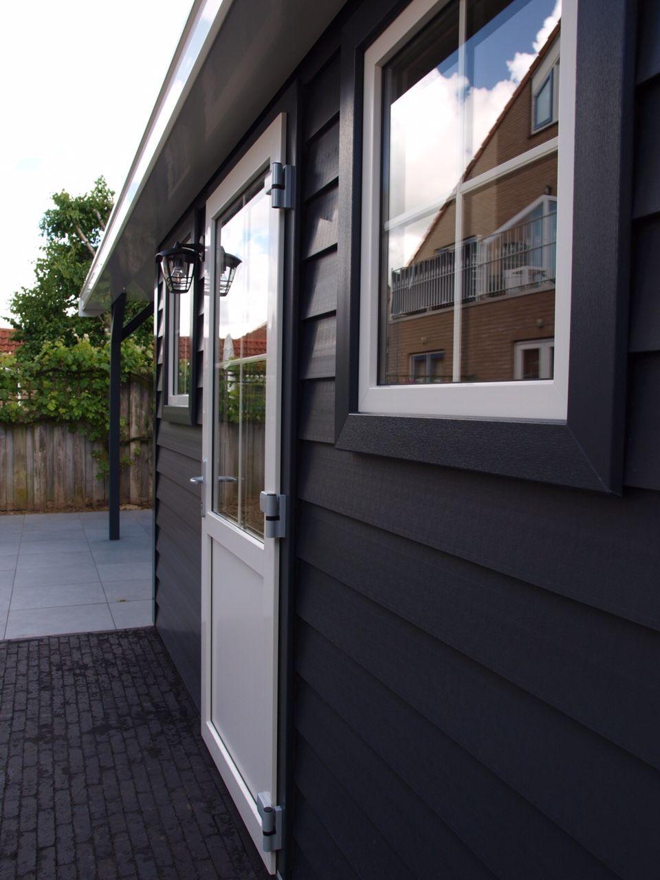 Kunststoff Gartenhaus Verona Mit Veranda Oder Kleinem Dachuberstand In Abmessung Und Ausfuhrung Variabel Summer House Outdoor Decor Outdoor