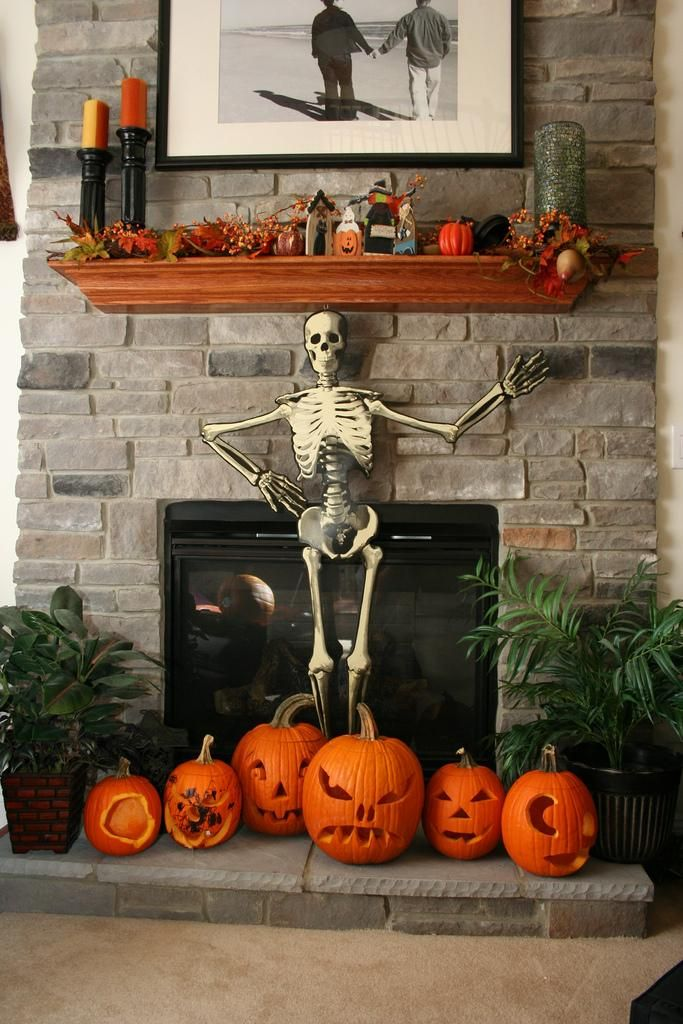 Halloween decorations  IDEAS  INSPIRATIONS Halloween Mantle - halloween crafts ideas