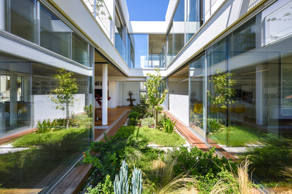 Christos Pavlou Brings Nature Back To The City With The Garden House In Nicosia Cyprus In 2020 Interior Garden Green Terrace Architecture