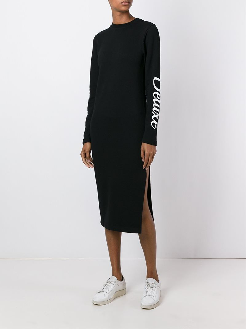 ¡Cómpralo ya!. Mcq Alexander Mcqueen Chaser Deluxe Print Sweatshirt Dress. Black cotton Chaser Deluxe print sweatshirt dress from McQ Alexander Mcqueen featuring a ribbed crew neck, long sleeves, a fitted silhouette, a side slit and a mid-length. , vestidoinformal, casual, informales, informal, day, kleidcasual, vestidoinformal, robeinformelle, vestitoinformale, día. Vestido informal  de mujer color negro de MCQ ALEXANDER MCQUEEN.