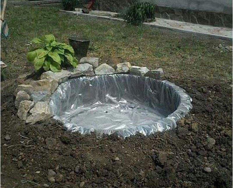 12 Super Easy DIY Water Features Anyone Can Make | Tire ...