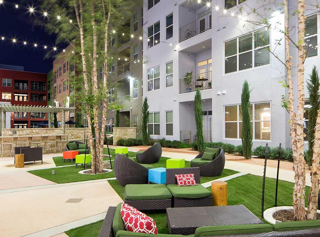 Mueller Apartments In Central Austin At Amli Mueller Courtyard Design Outdoor Space Design Courtyard Apartments