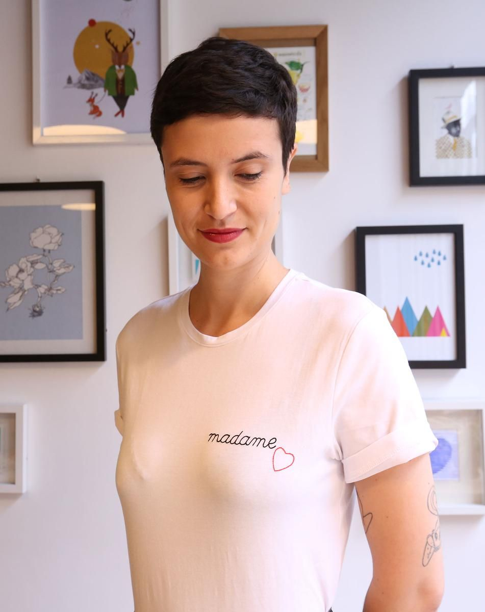 comment broder un message sur un tee shirt avec mes dix. Black Bedroom Furniture Sets. Home Design Ideas