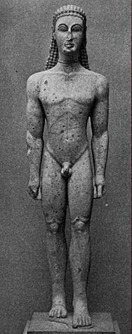 Apollo 아폴로.    이 작품은 조각가가 아폴로를 조각하였느냐, 아니면 그냥 소년을 조각하였느냐하는 논쟁이 있는 작품이다. 한 쪽 발이 앞으로 나와있는 것은 이집트의 예술에서도 볼 수 있다. 이집트에서는 사람, 인간을 조각하거나 표현할때 항상 한쪽 발을 나오게 하였는데 이것은 걸을 수 있는 인간을 표현한 것이라고 한다. 얼굴은 무표정이며, 몸이 굉장히 부자연스러워 보인다. 머리카락 또한 자연스러워 보이지 않는다. 헬레니즘에 들어서기 전 작품이다.