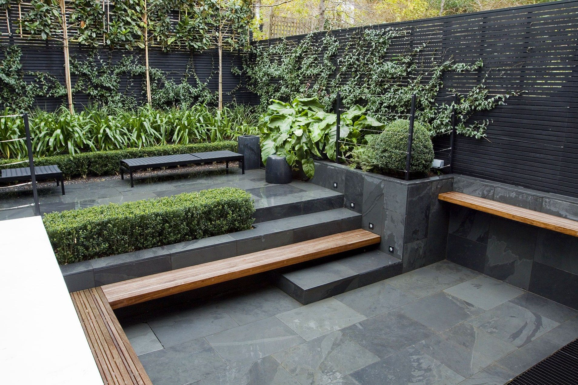 Contemporary Garden With Clean Lines Love The Dark Stone