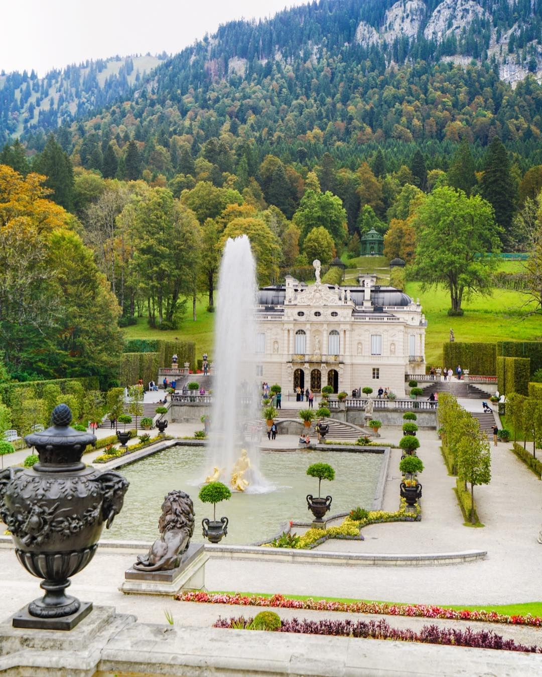 Guess I Ll Be Back To Germany This Coming October Excited To See Fall Colors This Photo Was Shot At Lind Linderhof Palace Fall Colors Beautiful Pictures