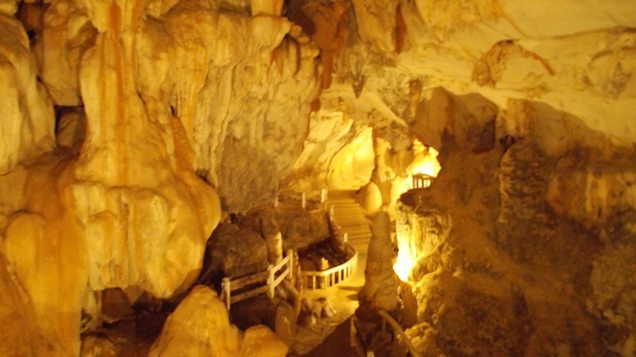 ถ้ำจัง วังเวียง สปป.ลาว Cave junction Vang Vieng