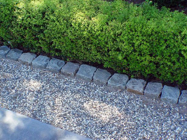 Garden Edges Using Granite Cobblestone And Curb Pea Gravel Patio