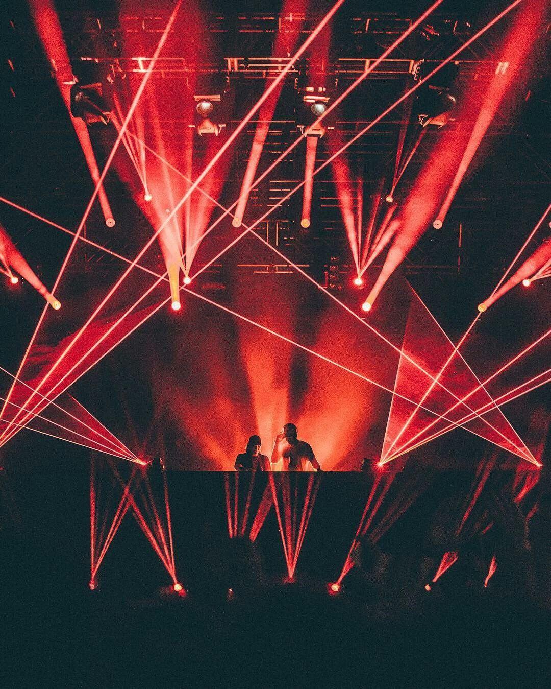 Pin By Julie Negron On Skrillex Skrillex Trance Music Electronic Music Festival