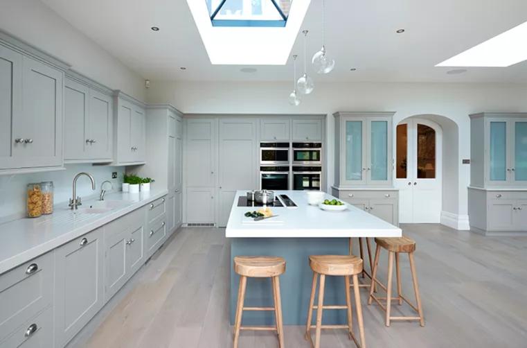 Clapham Shaker Kitchen: Modern Meets Edwardian