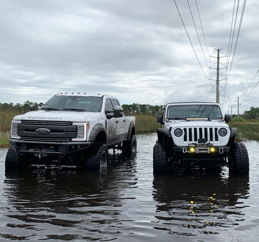 Truck Vs Jeep Which Would You Choose Truck Jeep Whitejeep
