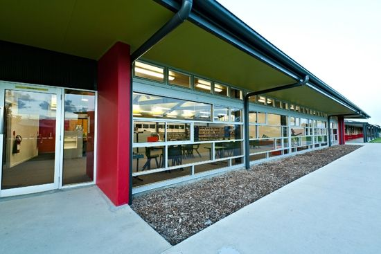 St Joseph's Catholic Primary School - Library » Bold Mackay
