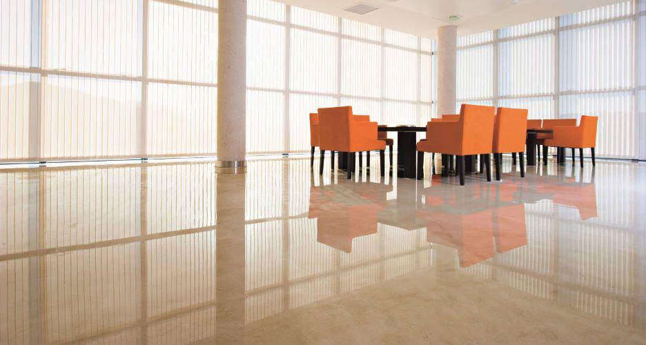 Sal n con suelo de m rmol crema marfil suelo pinterest for Pintura color marmol
