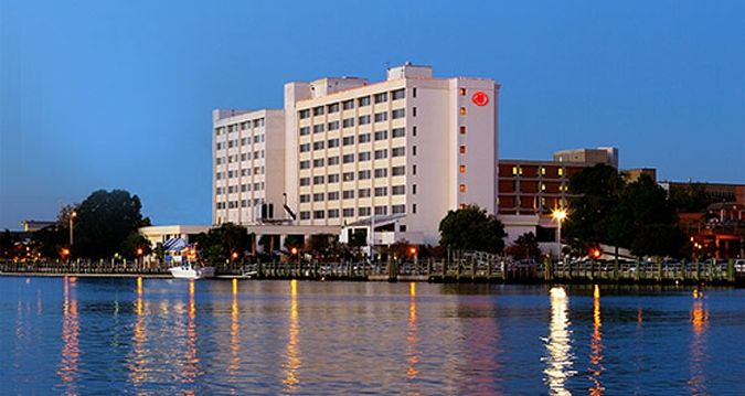 Hilton Wilmington Riverside Hotel Nc Exterior From River