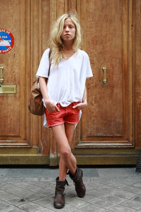 casual. boots blond fashion style tumblr streetstyle shorts shirt white t leather bag