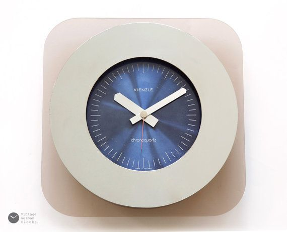 Wall Clock Which Way Space Age Retro Wanduhr