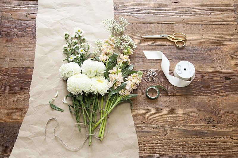 Build Your Own Wedding Bouquet With This Easy Diy