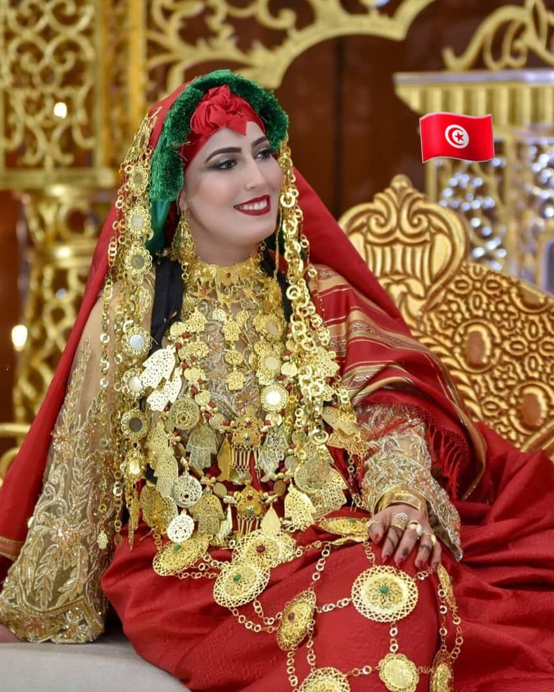 250 Likes 2 Comments Tunisian Culture Official On Instagram أناقة عروسة تونسية من مدينة قابس ب الحولي القابسي مشاء الل Fashion Crown Jewelry Crown
