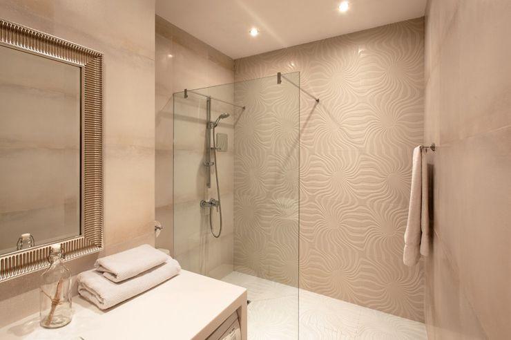 Bel appartement au design moderne et accueillant à Moscou Paris - salle de bains douche italienne
