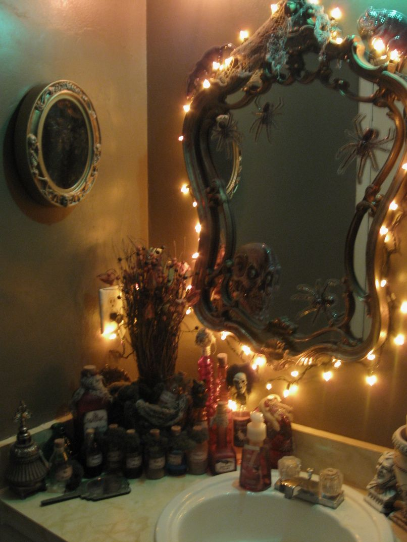 halloween stuff - Halloween Bathroom Decorations