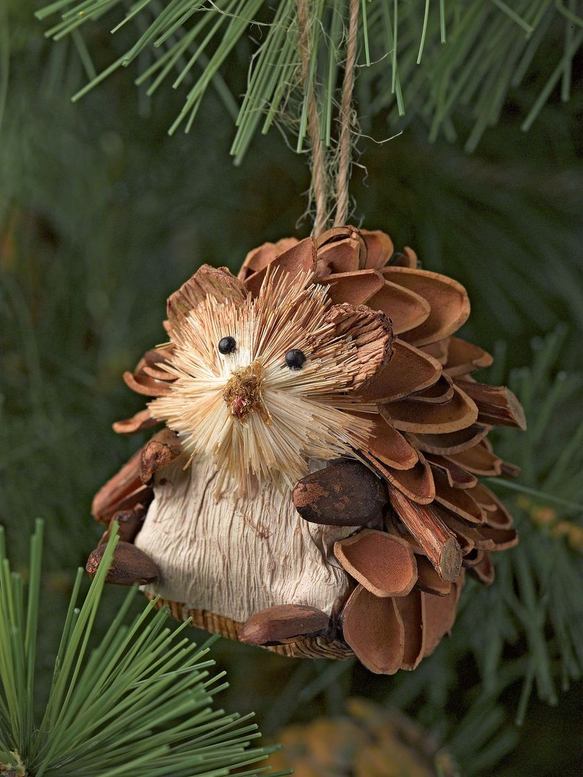 Easy and Cute DIY Pine Cone Christmas Crafts pinecone ornaments