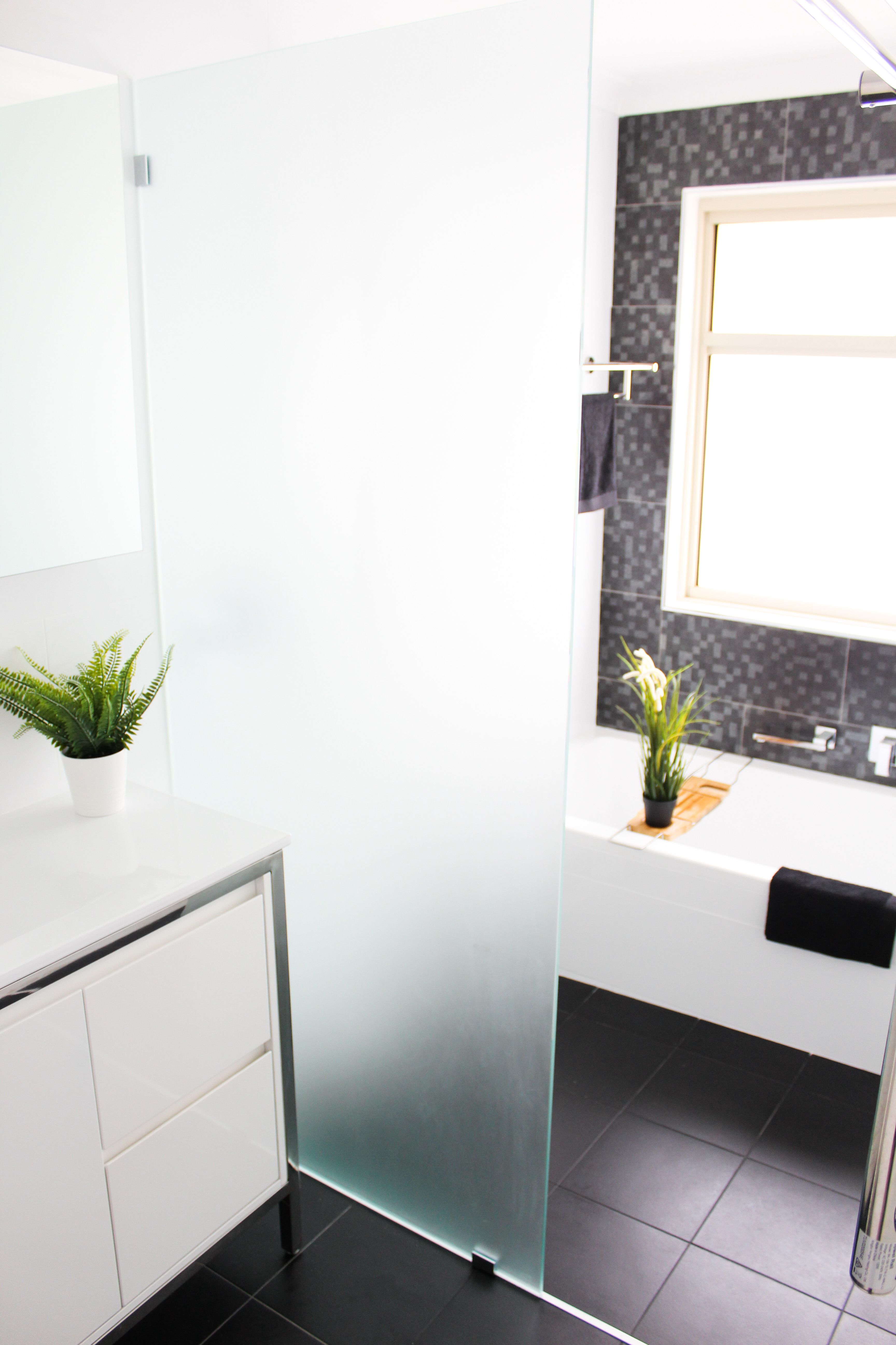 Walk In Wet Room Designs: Walk In Shower Black Feature Wall Drop In Bath Wet Room