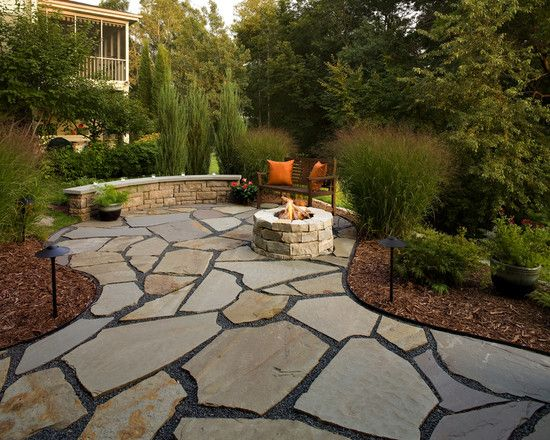 Wood Chips Landscaping Design, Pictures, Remodel, Decor and Ideas | Large  backyard landscaping, Flagstone patio design, Patio landscaping