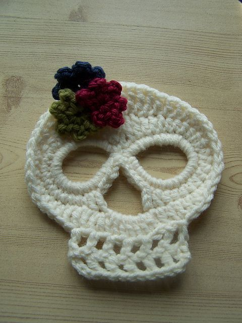 Ravelry: Project Gallery for Day of the Dead Crochet Skull pattern ...
