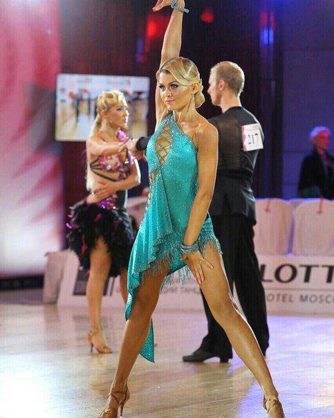 Veronika Dincher's photos | Ropa de baile, Traje de baile ...