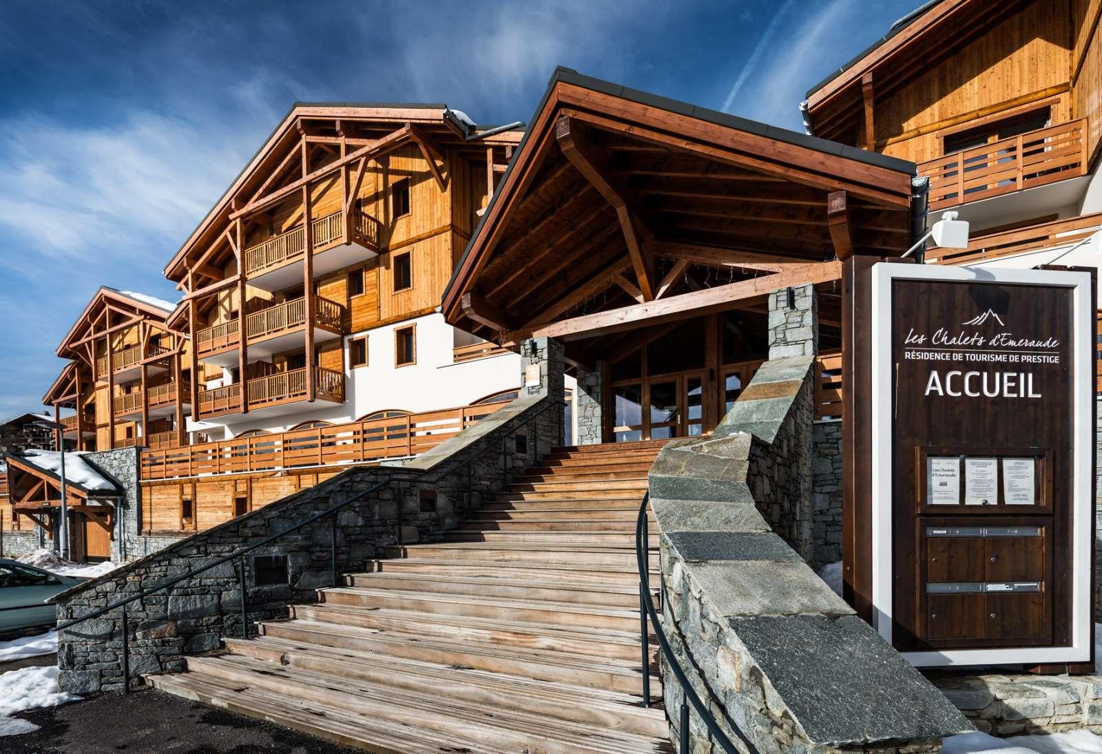 Résidence Les Chalets D Emeraude Location Ski Les Saisies Vacances Lagrange Iziva Com Location Ski Vacances En France Vacances