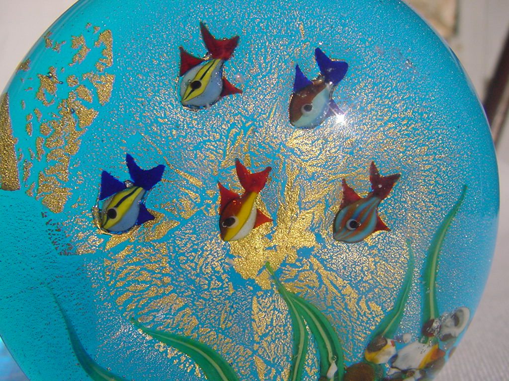 FISH PAPERWEIGHT GLASS