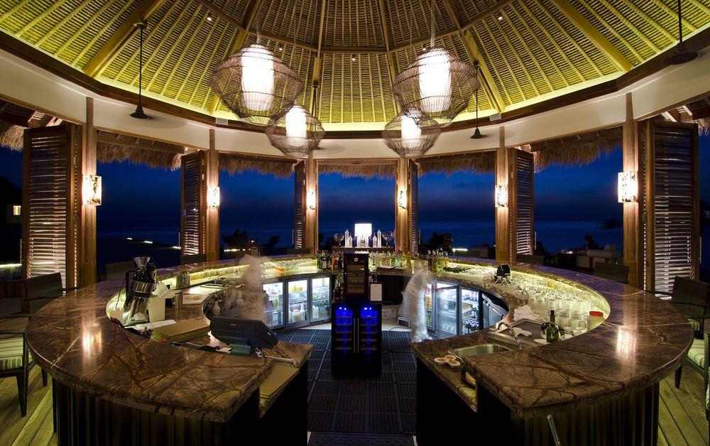 Bar of the Jumeirah Vittaveli, South Male Atoll, Bolifushi